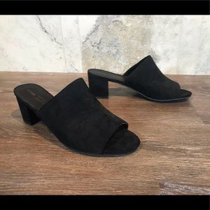 5/$20 George Open Toe Mules, Size 10
